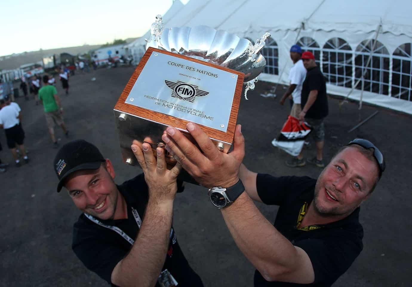 Motocoss of Nations 2010 in Lakewood, Colorado - Andreas Kosbahn und Olaf Noack mit dem Pokal für den dritten Rang