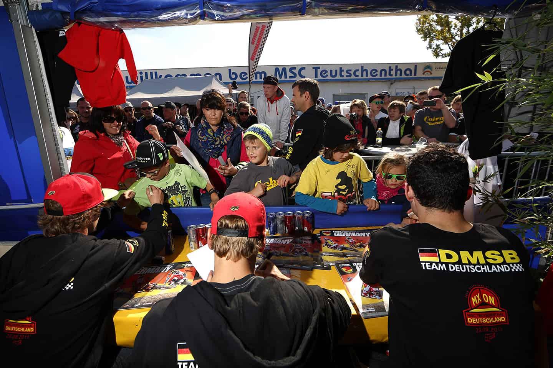 MXoN 2013 in Teutschenthal - Autogrammstunde Team Germany