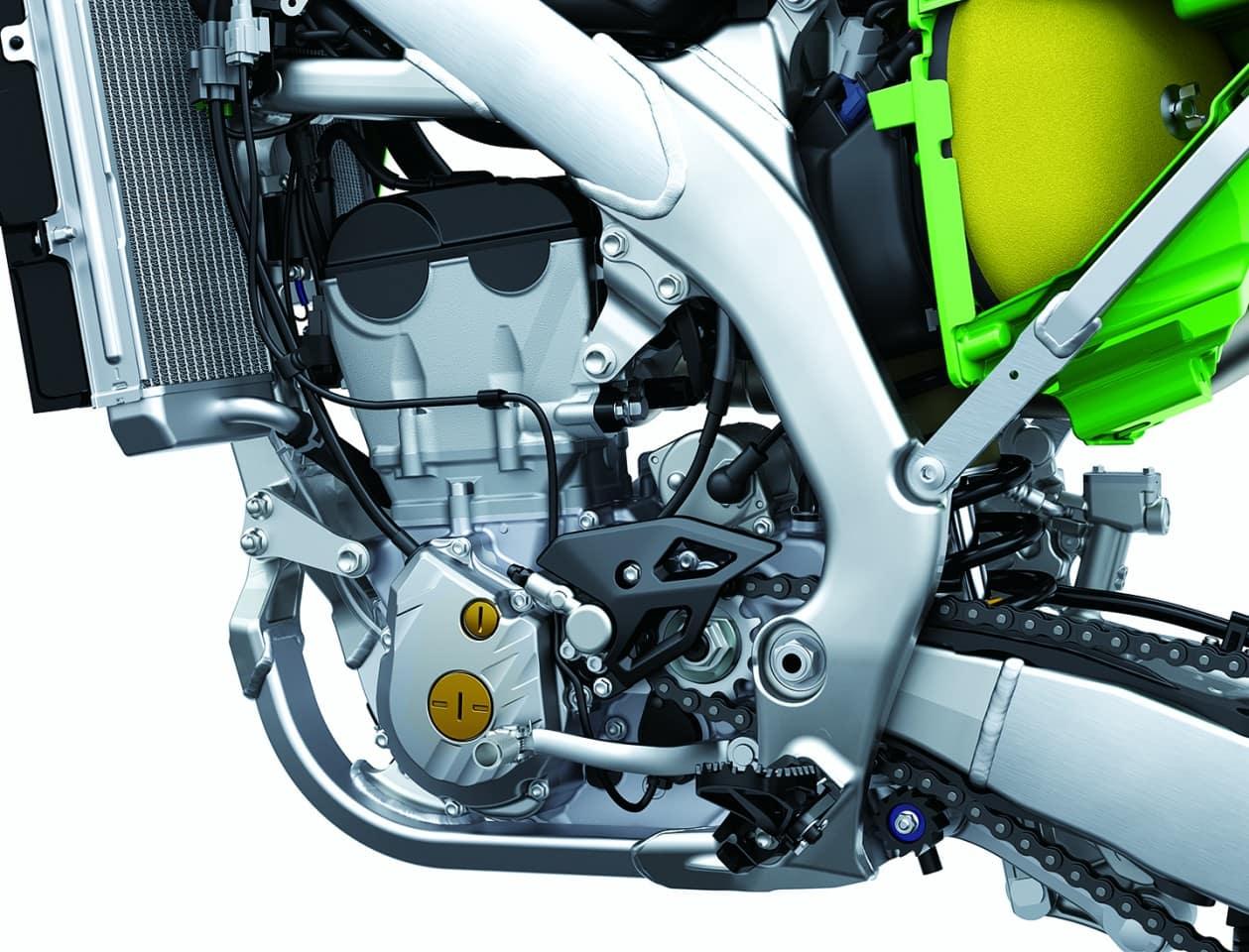 Der Motor der KX250 ist eine komplette Neukonstruktion