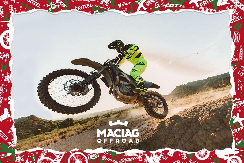 Die X'MAS-Wichtel geben Vollgas und haben dieses Jahr einige Überraschungen für dich.