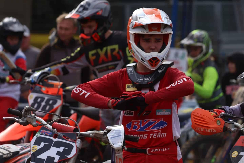 Oscar Denzau setzt sich in der MX2 2-Takt-Klasse trotz kleiner Fehler durch